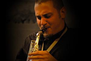 """<a class=""""nameteach"""" href=""""http://www.jazzschooltorino.it/jazz-school-torino-team/gianni-virone/"""" title=""""Scopri di più"""">Gianni Virone</a>"""